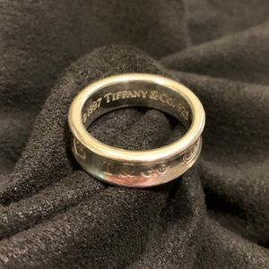 Tiffany and Co. 1837 ring size 7.75
